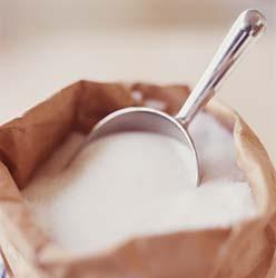 a cukor kiszorítja a mézet